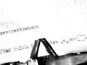 Remington Typewriter. Image courtesy of stock.xchng®
