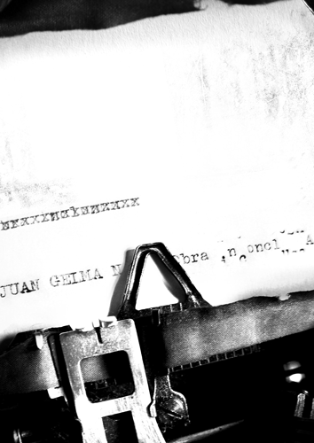Remington Typewriter. Image courtesy of stock.xchng®